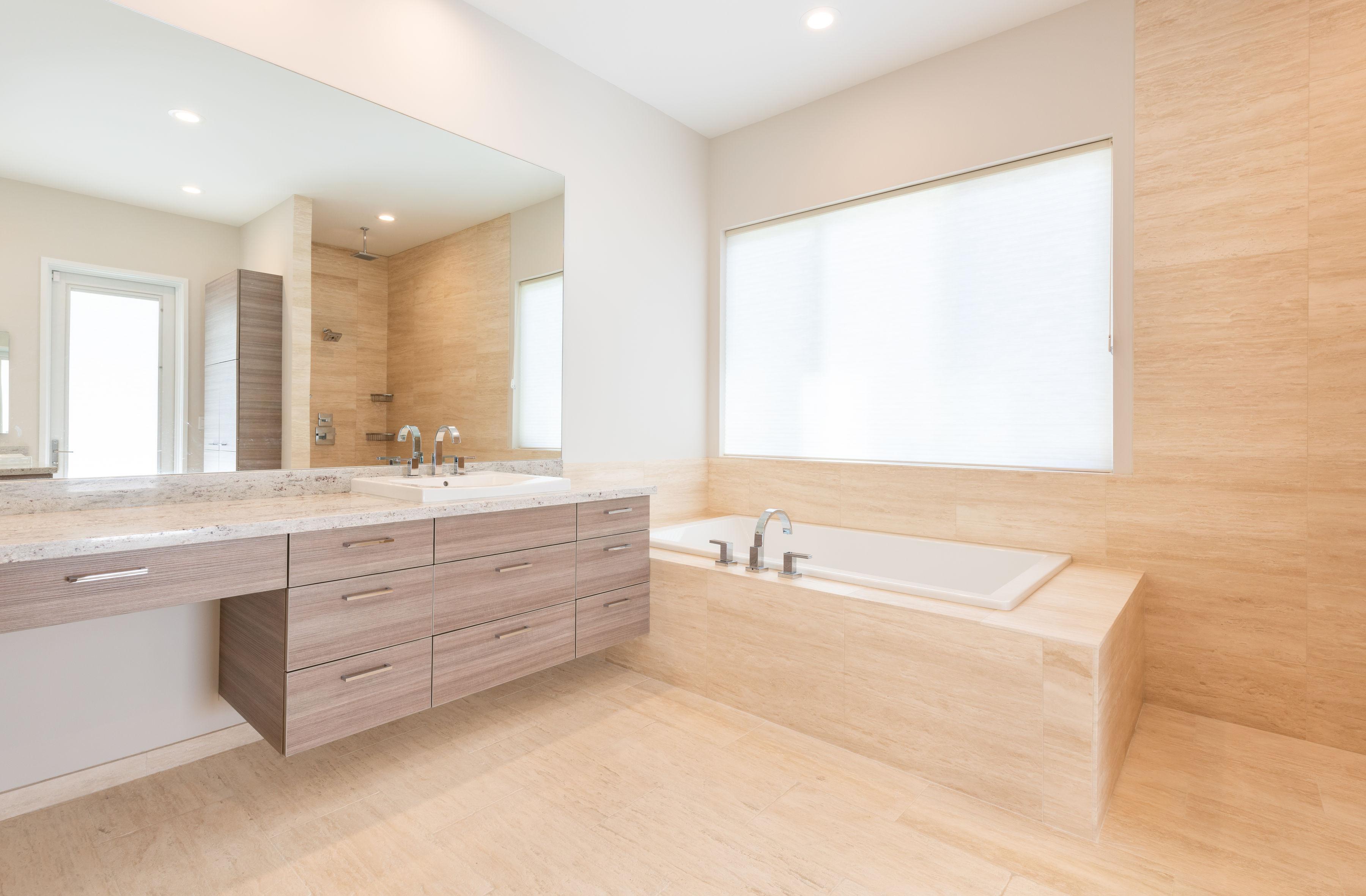 14-luxury-bathtub